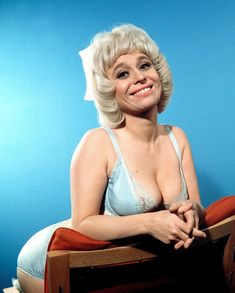 Barbara Windsor, British Comedy, British Actors, English Actresses, Actors & Actresses, Valerie Leon, Actrices Hollywood, Janis Joplin, Sexy Older Women
