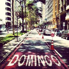 rafagushi:  ☔ ••• COTIDIANO As ciclofaixas sinalizadas para o lazer dominical dos paulistanos ••• Foto por @paes_renato Use #spdagaroa ou #s...