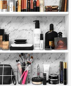 Marble •Makeup •Minimalist