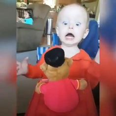 Cute Funny Baby Videos, Funny Baby Memes, Cute Funny Babies, Super Funny Videos, Funny Videos For Kids, Funny Short Videos, Funny Video Memes, Crazy Funny Memes, Really Funny Memes