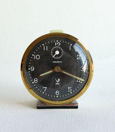 Vintage French alarm clock Jaz Discreto Retro table clock wind up desk… Vintage Alarm Clocks, Old Clocks, Retro Table, Farm Tools, European Furniture, Desk Clock, Modern Desk, Fruit Trees, Rustic Farmhouse