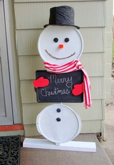 easy DIY snowman using recycled pizza pans and cookie sheet!