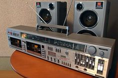 Hifi Stereo, Hifi Audio, Phone Screen Wallpaper, Boombox, Audio Equipment, Tv Videos, Vintage Ads, Sony, Electric