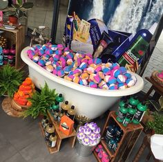 pinterest: omgalaina ☾ (god damn i need this whole tub of bath bombs in my life. k, thanks)