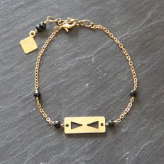 Myo jewel - bracelet triangles en laiton brut & perles de Spinelle - raw brass & gemstone boho bangle