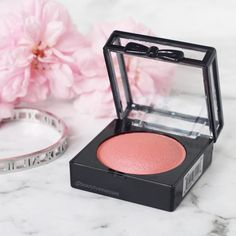 How gorgeous is the @nyxcosmetics blush from this months @bellaboxaust  . . . . . . . #igbeauty #instabeauty #instamakeup #urbandecay #urbandecaynaked #meccamaxima #meccabeautyjunkie #makeupcollection #discoverunder100k #ausbeauty #ausbeautybabes #ausbeautyblogger #lipstick #beautyjunkie #makeuprevue #like4like #likesforlikes #like4follow #thankyou #makeupaddict #makeupjunkie #makeupporn #makeupmafia #wakeupandmakeup #slaytheflatlay #flatlayoftheday #flatlay #nyxcosmetics #bellabox #gifted