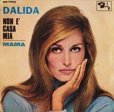 Dalida – La Mamma Lyrics | Genius Lyrics