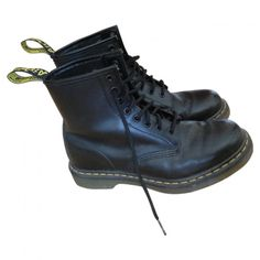 DOC MARTENS DR. MARTENS (365 ILS) ❤ liked on Polyvore featuring shoes, boots, ankle booties, footwear, black leather booties, leather ankle booties, dr. martens, leather boots and black booties