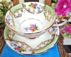 ROYAL STANDARD LARGE TEA CUP AND SAUCER LIME GREEN FLORAL ROSES TEACUP