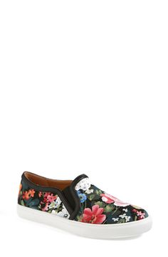 These sweet floral kicks would look so cute paired with distressed boyfriend jeans and a leather jacket.