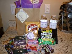 Love this idea to make welcome bags for out of town guests or anyone staying at the hotel for the wedding