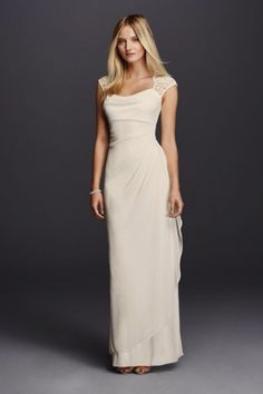 Beautiful open back. Light weight and flowy. Size 8. PERFECT for a beach wedding. Brand new with tags. Never been worn!