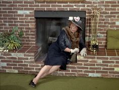 Marion Lorne played Aunt Clara the kind but forgetful witch on the sitcom 'Bewitched' from 1964-1972