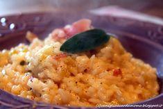 Primo piatto a base di riso carnaroli aromatizzato al vino Traminer, buonissimo e di sicuro effetto! Ingredienti per 4 persone:  2 porri 40g di speck affettato 3 fogli di salvia 300g di riso Carnaroli 1/2 bicchiere di Vino Traminer 1 spicchio di aglio 1l di brodo vegetale 30g di parmigiano grattugiato 30g di burro pepe q.b. Risotto, Macaroni And Cheese, Salvia, Cooking, Aglio, Ethnic Recipes, 3, Food, Kitchen