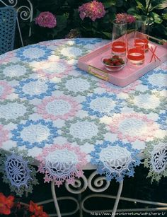 1 of 2 Crochet Tablecloth Crochet Motifs, Crochet Art, Crochet Home, Thread Crochet, Love Crochet, Filet Crochet, Beautiful Crochet, Crochet Doilies, Crochet Flowers