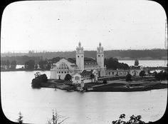 Government building - Photo shows a scene from the Lewis and Clark  Exposition held at Portland, Oregon in 1905