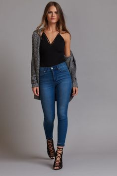 Bar Outfit Ideas Collection body hugging and beyond flattering in 2019 winter club Bar Outfit Ideas. Here is Bar Outfit Ideas Collection for you. Summer Bar Outfits, Casual Bar Outfits, Winter Club Outfits, Club Outfits For Women, Fashion Casual, Look Fashion, Party Outfit Casual, Fashion Black, Fashion Ideas