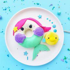 Home Decor Bathroom 1399 Me gusta 84 comentarios - Jean Donut Cupcakes, Cute Food Art, Mermaid Home Decor, Cute Baking, Cute Donuts, Delicious Donuts, Cute Desserts, Baked Donuts, Donut Recipes