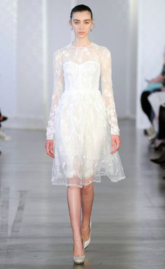 10 Perfectly Acceptable Last Minute Wedding Dresses For Shotgun Brides See More De La Renta Brd Rs17 0032