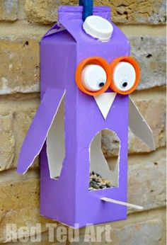 Juice Carton Crafts: Owl Bird Feeder Looking after birds this Winter with this cute upcycled DIY Owl Bird Feeder craft Fall Crafts For Kids, Crafts To Make, Easy Crafts, Art For Kids, Kid Art, Recycled Crafts For Kids, Simple Kids Crafts, Bird Feeder Craft, Bird Feeders