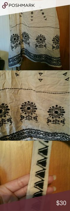 Cute pattern top Cute aztec/pattern top. Got it from francescas. Never worn Francesca's Collections Tops Tank Tops