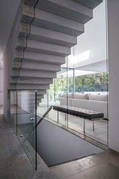 concrete work on steps - Boandyne House by SVMSTUDIO (10)