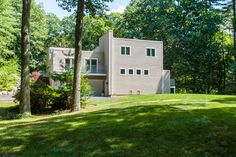 1:00 - 2:30 pm 19 Coolidge Road, Wayland, MA 01778 This impressive contemporary is both unique and sophisticated in its design and craftsmanship.  http://19coolidgeroad.com