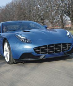 AUSFAHRT IM MILLIONÄRS-GESCHOSS Ein Ferrari, der keiner mehr ist Was Ferrari beim F12 vernachlässigt hat, verschafft ihm Karosseriekünstler Touring: Eleganz. Das handgefertigte Kleid der Berlinetta Lusso besteht aus Carbon und Aluminium