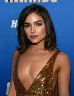 Olivia Culpo Mid-Length Bob - Olivia Culpo framed her gorgeous face with a classic lob for the 2016 NHL Awards. Celebrity Hairstyles, Hairstyles Haircuts, Olivia Culpo Hair, Medium Hair Styles, Short Hair Styles, Mid Length Hair, Girl Short Hair, Grunge Hair, Brunette Hair