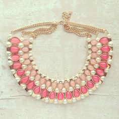 statement necklace, lovely!