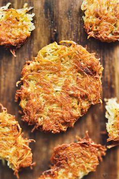 Chrupiące placki ziemniaczane - erVegan Tzatziki, Vegan Recipes, Tasty, Diet, Vegane Rezepte, Vegetarian Recipes