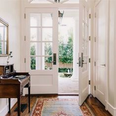 Are you looking to brighten up a dull room and searching for interior design tips? One great way to help you liven up a room is by painting and giving it a whole new look. Entrance Decor, Entryway Decor, Entryway Ideas, Front Door Entryway, Interior And Exterior, Exterior Doors, Interior French Doors, My Dream Home, Living Spaces