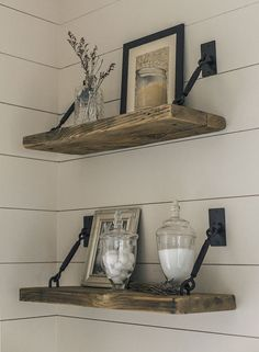 27 Rustikale Shiplap-Dekor-Ideen, um Ihrem Zuhause einen Landhausstil hinzuzufügen 27 Rustic Shiplap Decor Ideas to Add a Country Home to Your Home There's something about one that emits im Easy Home Decor, Cheap Home Decor, Diy Casa, Home And Deco, My New Room, Home Decor Accessories, Kitchen Accessories, Cheap Bathroom Accessories, Accessories Shop