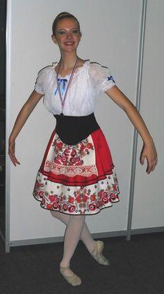 Costume russe, style Coppélia.