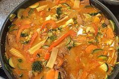 Schnelles Thai-Curry mit Huhn, Paprika und feiner Erdnussnote, ein sehr leckeres Rezept aus der Kategorie Reis/Getreide. Bewertungen: 863. Durchschnitt: Ø 4,6.