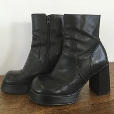 Vtg steve madden leather platform heel boots 90s Authentic vtg 90s steve madden leather boots. Platform heel with zipper. So cute! I love these boots so much! Perfect with tight jeans or a babydoll dress. Size 5.5, can fit 6 but is a little snug. Steve Madden Shoes Ankle Boots & Booties