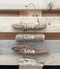 Wall decor - wooden hangers, Life, Live, Love, Laugh made of driftwood - a unique product by Strandl Driftwood Projects, Driftwood Art, Diy Projects, Driftwood Ideas, Beach Crafts, Diy And Crafts, Sea Glass Crafts, Beach Wood, Decoration Originale