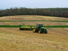 John Deere Combine, Farm Humor, Farm 2, Ranch Life, John Deere Tractors, Agriculture, Cute Puppies, Foodies, Lawn