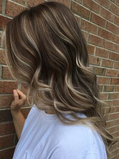 Natural Light Brown Color Shades for Medium Hairstyles 2018