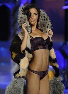 Model / Angel, Adriana Lima, Victoria's Secret Fashion Show 2008