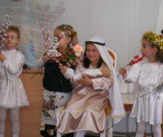 SERBĂRI ŞCOLARE: O SEARĂ DE POVESTE Girls Dresses, Flower Girl Dresses, Wedding Dresses, Fashion, Dresses Of Girls, Bride Dresses, Moda, Bridal Gowns, Fashion Styles
