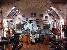 The best little old guitar shop in Texas. Guitar Room, Music Guitar, Guitar Wall, Guitar Storage, Guitar Display, Music Man Cave, Home Music Rooms, Best Guitar Players, Guitar Stand