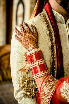 beautifulsouthasianbrides:  Photo by:Loic Nicolas