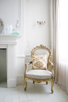 Dave Coote's interiors have a clean fresh feel that concentrate around texture, light and reclaimed materials. Parisian Apartment, Apartment Interior Design, Parisian Chic Decor, Crowded House, Cottage, White Rooms, Take A Seat, Decorating Blogs, Architecture