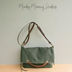 Convertible Waxed Canvas Tote with Leather от MondayMorningStudios