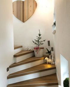 Staircase makeover renovation in a 60 year hallway. - Miss Emmama - Staircase makeover renovation in a 60 year hallway. – Miss Emmama - Romantic Home Decor, Cute Home Decor, Fall Home Decor, Handmade Home Decor, Autumn Home, Home Decor Items, Home Decor Accessories, Home Decor Quotes, Home Decor Pictures