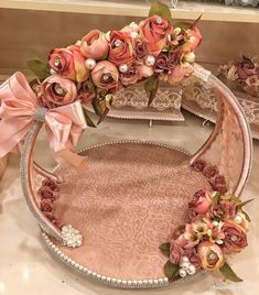 Indian Wedding Gifts, Creative Wedding Gifts, Desi Wedding Decor, Wedding Crafts, Wedding Gift Baskets, Wedding Gift Wrapping, Wedding Gift Boxes, Engagement Decorations, Diy Wedding Decorations