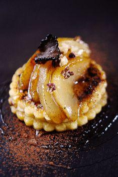 Caramelized pears with truffle --  Pain perdu de fête
