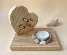 Bougeoir «cœur» en bois flotté Snowman Faces, Tea Light Holder, Mosaic Art, Tea Lights, Cube, Candle Holders, Palette, Wooden Crafts, Boyfriends