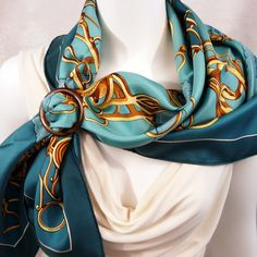 Profile HERMES with Grand Rond Anneau Horn Scarf Ring Carre de ParisII